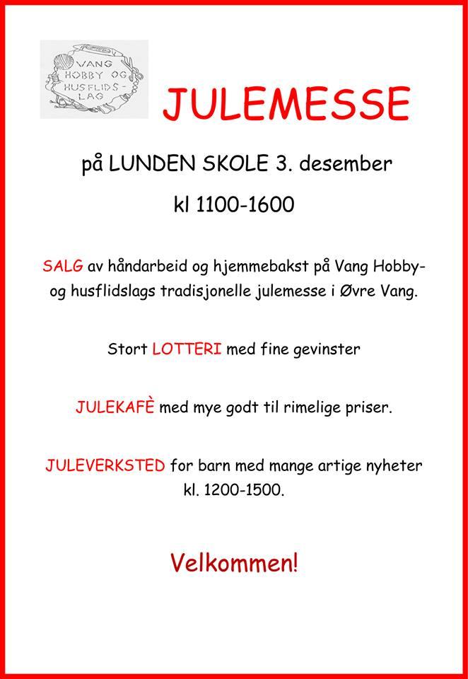 Historielaget selger «Minner ifrå Vang 2017» under Julemessen på Lunden.